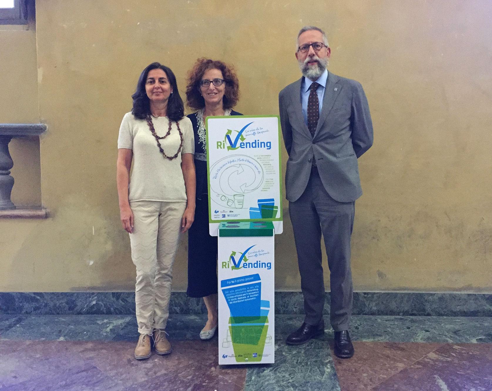 Il Prorettore vicario dell'Università di Parma, Paolo Martelli e le responsabili dei progetti 'Ateneo sostenibile'